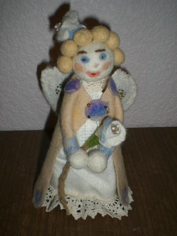 angeliukas su Dangiška gėle