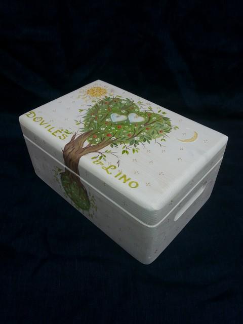 """Vestuvių skrynelė """"Pasaulio  medis"""""""
